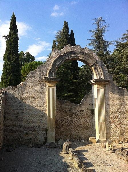 Photo du Monument Historique Ensemble archéologique situé à Vaison-la-Romaine