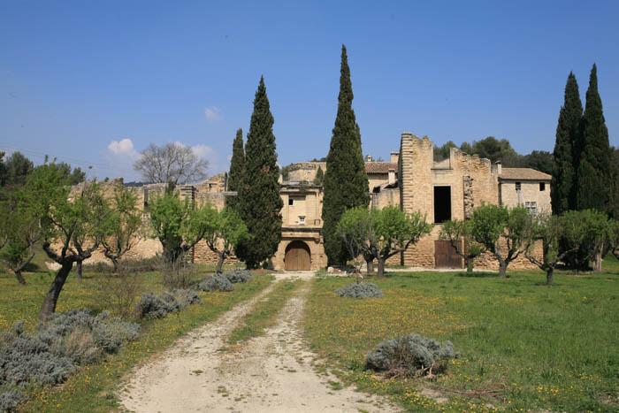 Photo du Monument Historique Château-Vieux, dit aussi Château de la Reine Laure situé à Pertuis