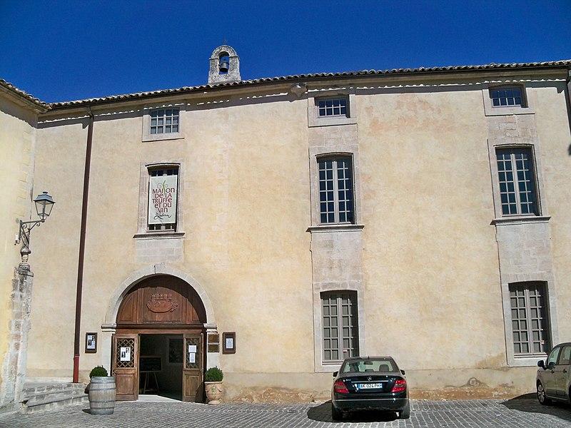 Photo du Monument Historique Ancien hôtel Astier de Montfaucon, puis ancien hospice situé à Ménerbes