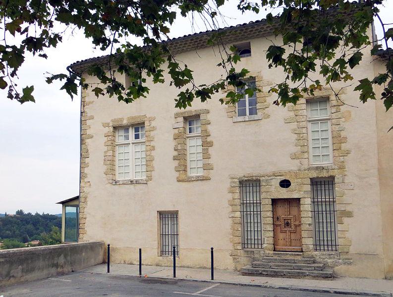 Photo du Monument Historique Maison d'Estienne du Bourguet situé à La Tour-d'Aigues