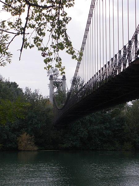 Photo du Monument Historique Pont des Arméniers ou des Arméniens situé à Sorgues