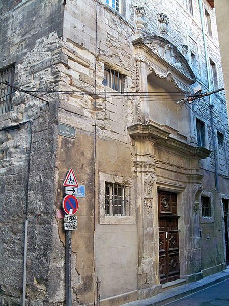 Photo du Monument Historique Ancien couvent des religieuses bénédictines de Notre-Dame, puis loge maçonnique, actuellement école communale situé à Avignon