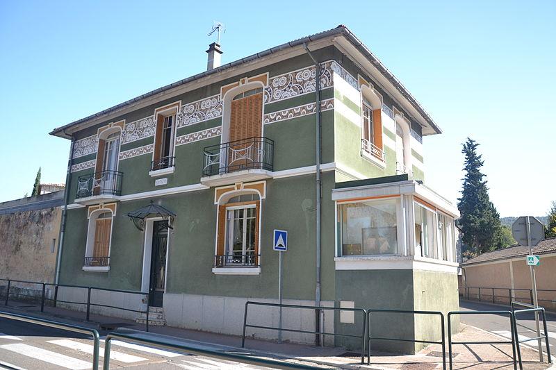 """Photo du Monument Historique Villa dite """"do mi si la do ré"""" ou """"villa verte"""" situé à Vaison-la-Romaine"""