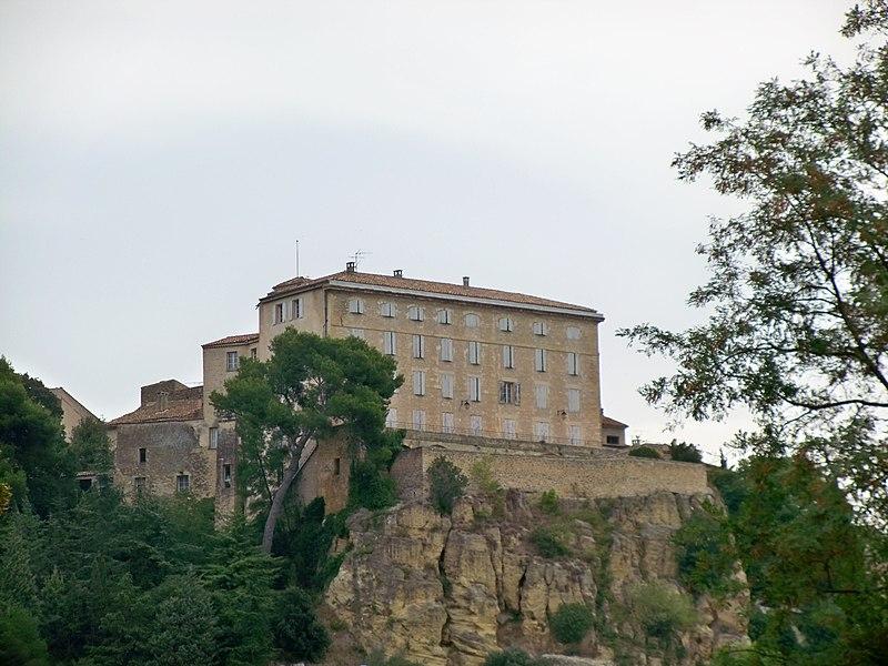 Photo du Monument Historique Château de Lauris situé à Lauris