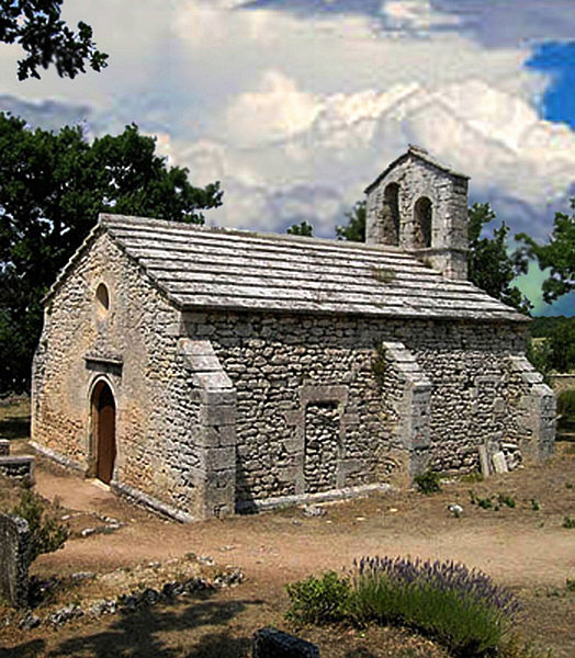 Photo du Monument Historique Ancienne église Sainte-Marie, actuelle chapelle du cimetière situé à Buoux