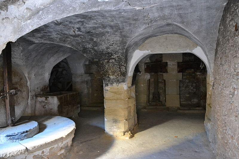 Photo du Monument Historique Ancien moulin à huile communal situé à Le Barroux