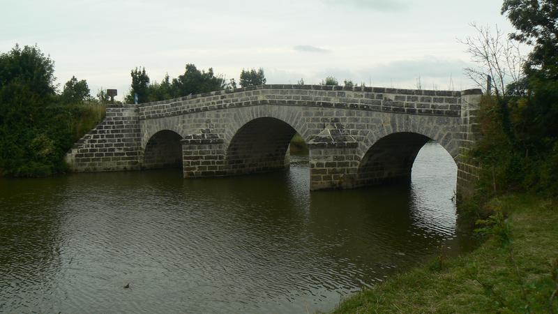 Photo du Monument Historique Deux ponts du Port-la-Claye sur la rivière Le Lay (également sur communes de Curzon, Lairoux, Saint-Cyr-en-Talmondais) situé à La Claye