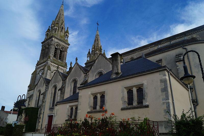 Photo du Monument Historique Eglise romane situé à Les Essarts