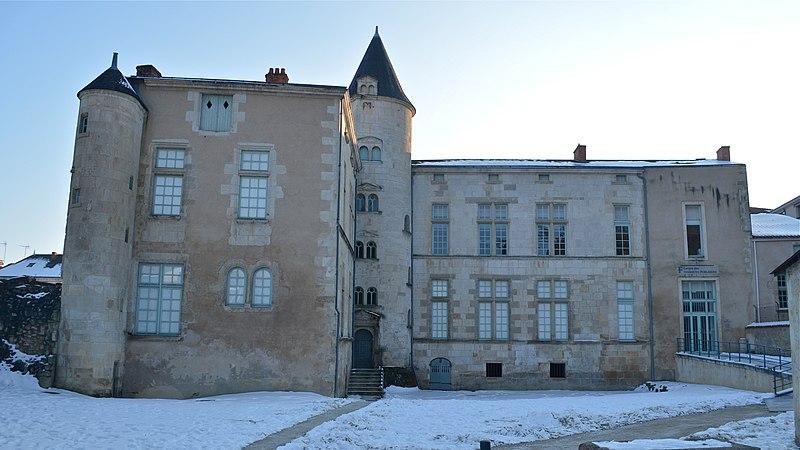 Photo du Monument Historique Hôtel de la Sénéchaussée situé à Fontenay-le-Comte