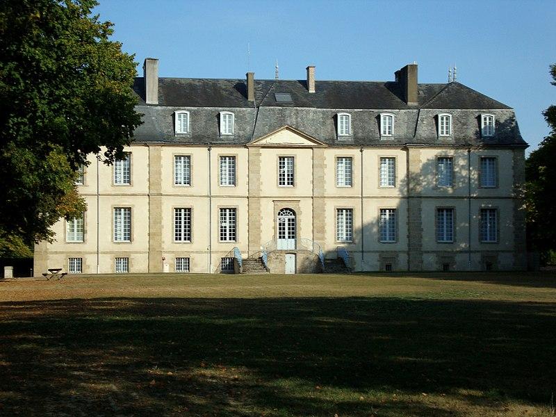 Photo du Monument Historique Château de Landebaudière situé à La Gaubretière