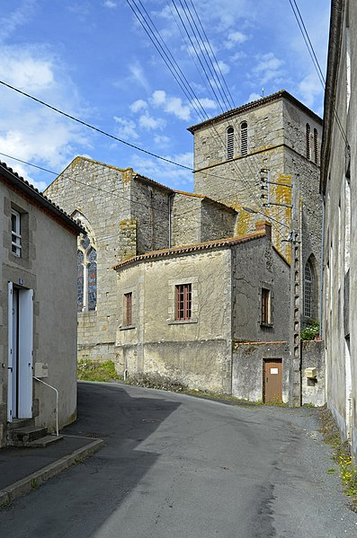 Photo du Monument Historique Eglise situé à Les Herbiers