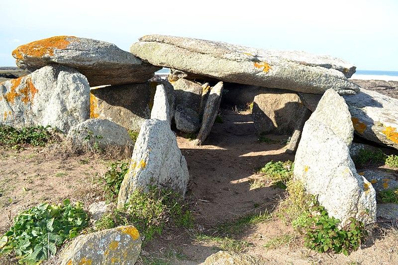 Photo du Monument Historique Trois dolmens situé à L'Ile-d'Yeu