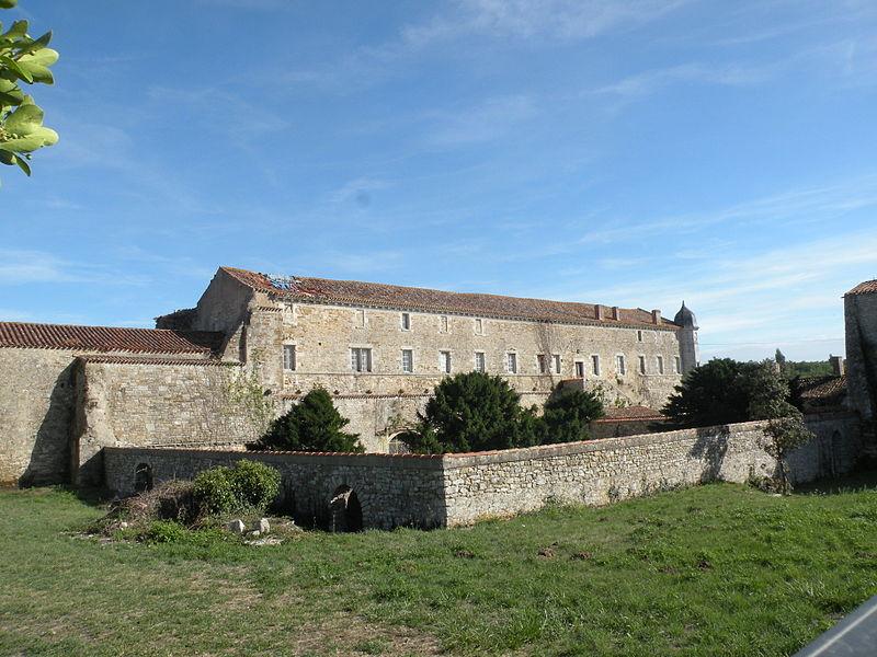 Photo du Monument Historique Abbaye de Lieu-en-Jard ou Lieu-Dieu situé à Jard-sur-Mer