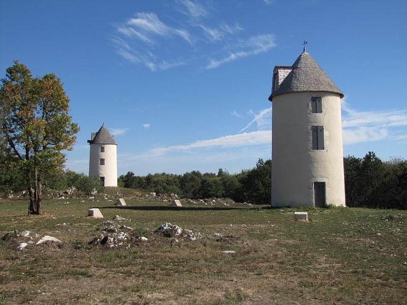 Photo du Monument Historique Moulin à vent situé à Mouilleron-en-Pareds
