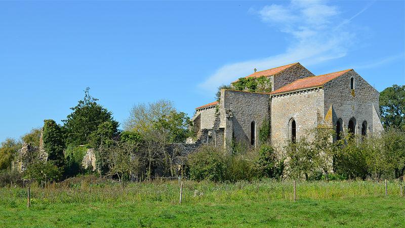 Photo du Monument Historique Abbaye des Fontenelles situé à La Roche-sur-Yon