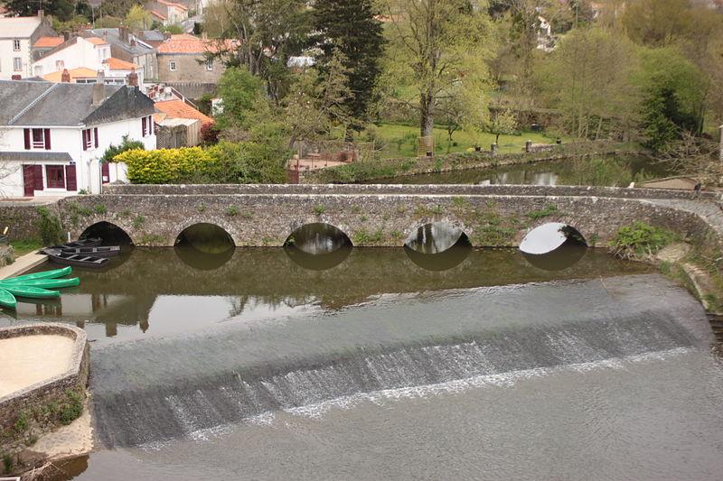 Photo du Monument Historique Pont sur La Boulogne sur le C.D. 7 situé à Rocheservière