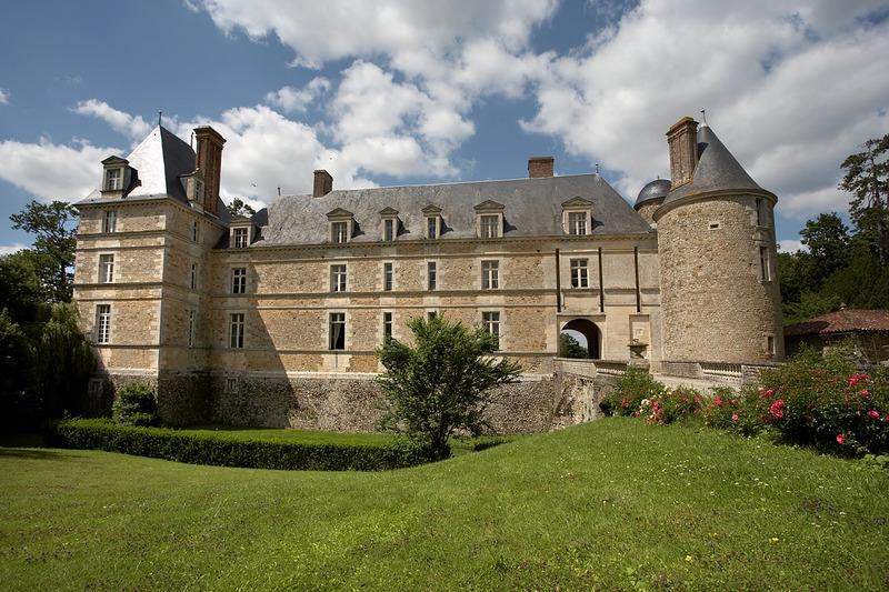Photo du Monument Historique Château de Sainte-Hermine situé à Sainte-Hermine