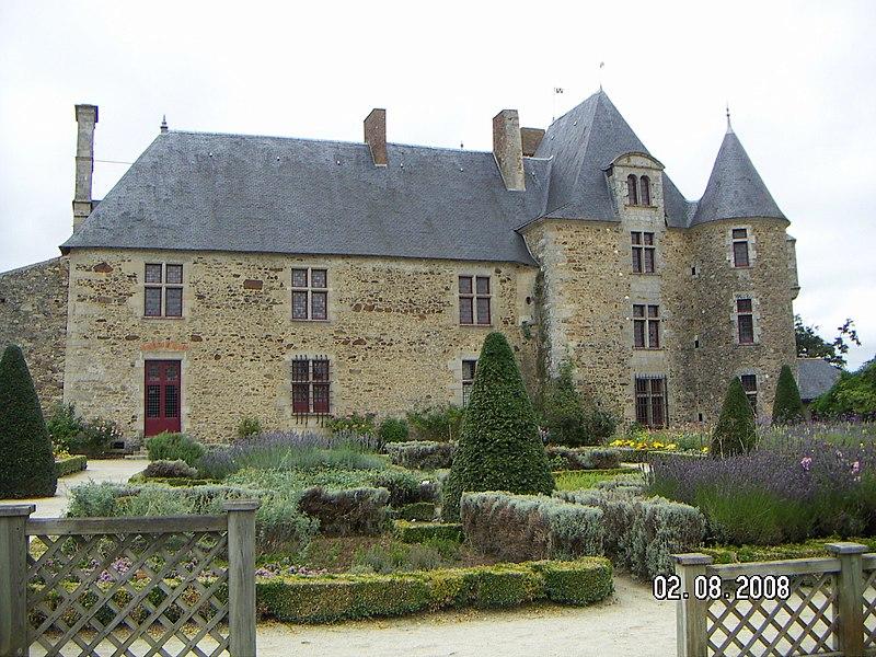 Photo du Monument Historique Château de la Chabotterie situé à Saint-Sulpice-le-Verdon