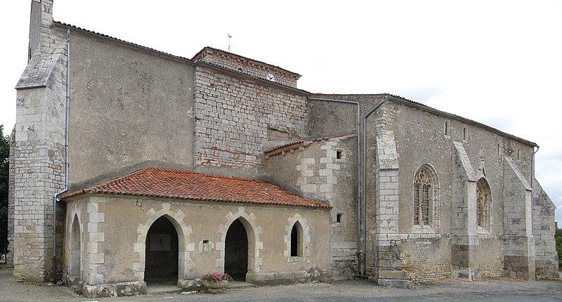Photo du Monument Historique Eglise situé à Thiré
