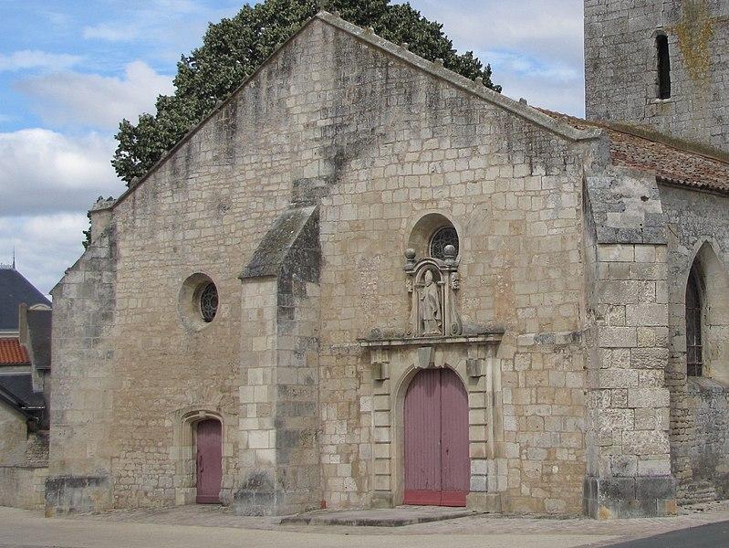 Photo du Monument Historique Eglise situé à Nalliers