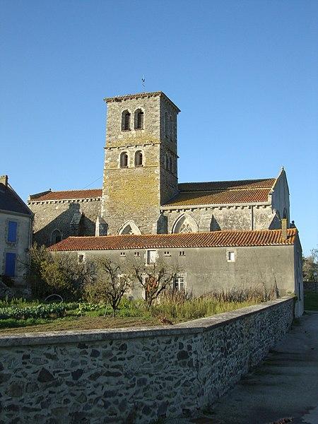 Photo du Monument Historique Eglise situé à Menomblet