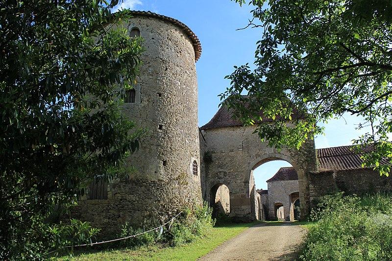 Photo du Monument Historique Manoir de Ponsay situé à Chantonnay