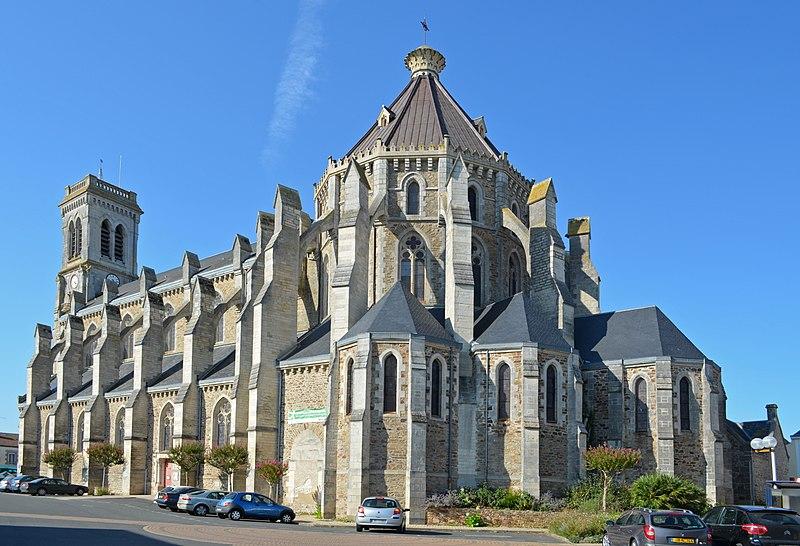 Photo du Monument Historique Eglise Saint-Benoît situé à Aizenay