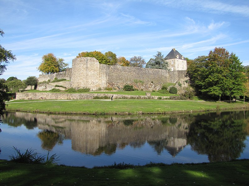 Photo du Monument Historique Ancien château situé à Montaigu