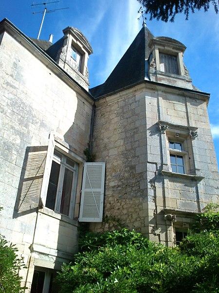 Photo du Monument Historique Château de Crémault situé à Bonneuil-Matours