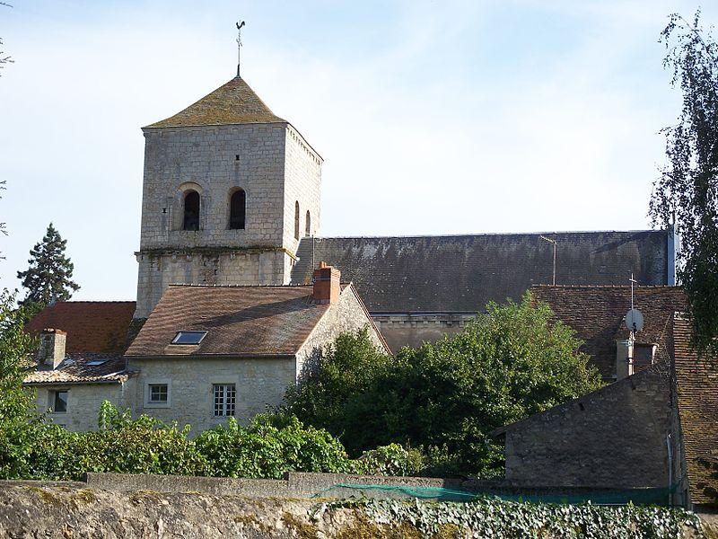 Photo du Monument Historique Eglise Saint-Pierre situé à Bonneuil-Matours