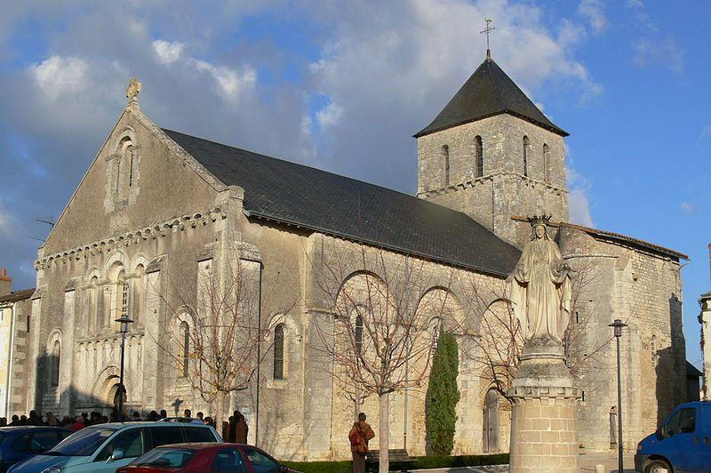 Photo du Monument Historique Eglise Notre-Dame situé à Bouresse