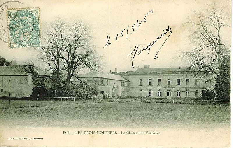 Photo du Monument Historique Château de Verrières situé à Bournand