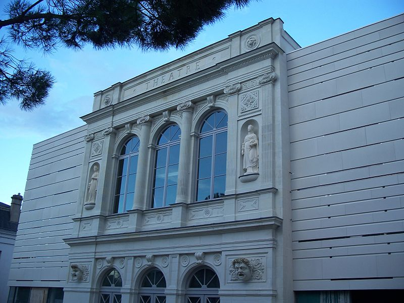 Photo du Monument Historique Théâtre municipal situé à Châtellerault