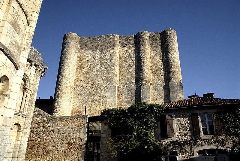 Photo du Monument Historique Donjon de Gouzon situé à Chauvigny