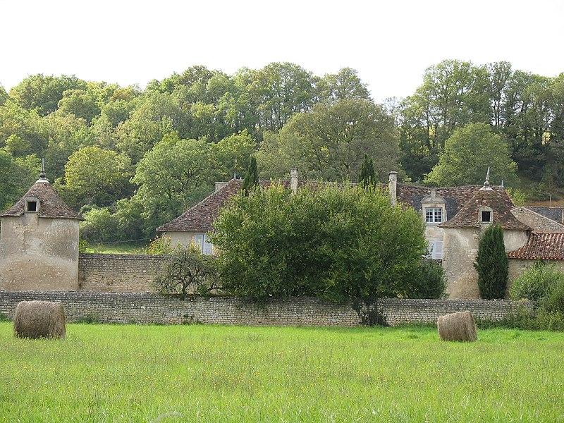 Photo du Monument Historique Gentilhommière de la Rivière-aux-Chirets situé à Chauvigny