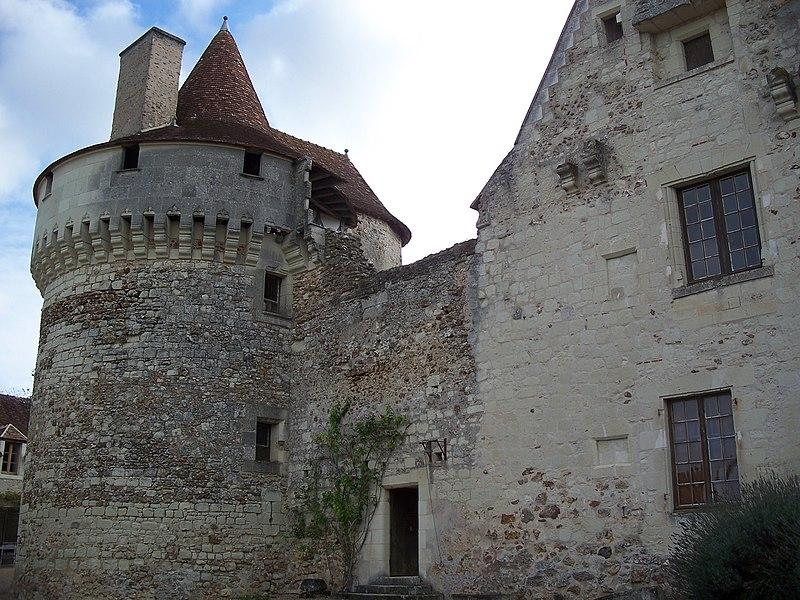 Photo du Monument Historique Château de la Vervollière situé à Coussay-les-Bois