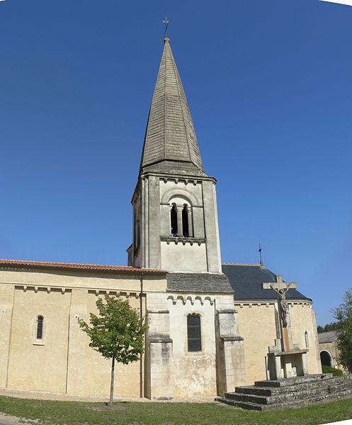 Photo du Monument Historique Eglise Saint-Hilaire situé à Mazeuil