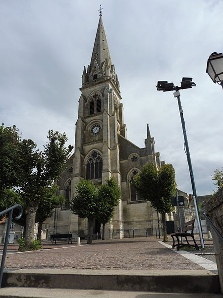 Photo du Monument Historique Eglise Saint-Martial situé à Montmorillon