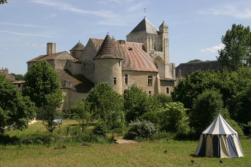 Photo du Monument Historique Abbaye situé à Nouaillé-Maupertuis