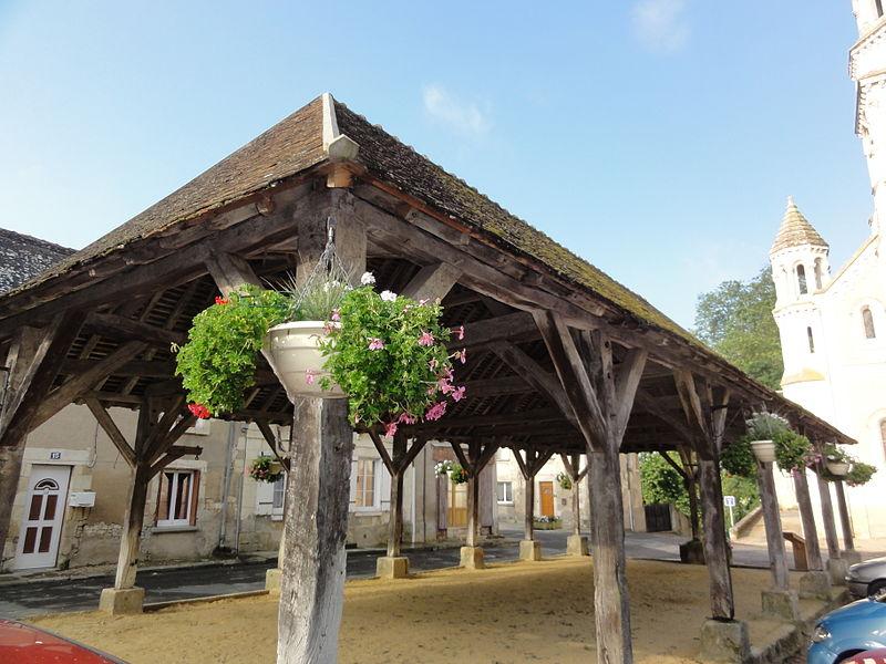 Photo du Monument Historique Halle situé à Ormes (Les)