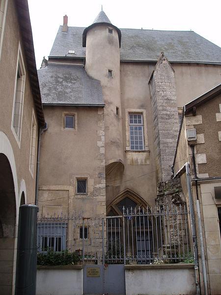 Photo du Monument Historique Echevinage situé à Poitiers