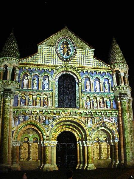 Photo du Monument Historique Eglise Notre-Dame-la-Grande situé à Poitiers