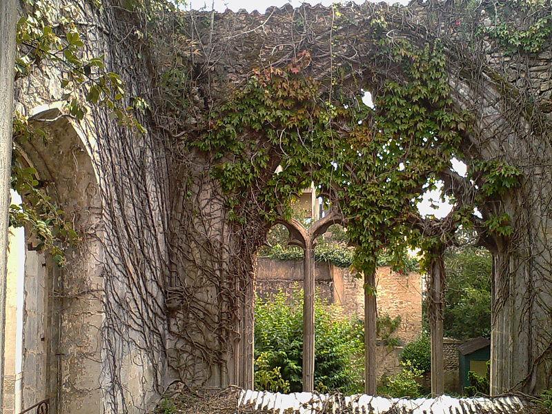 Photo du Monument Historique Eglise Saint-Paul (restes de l'ancienne) situé à Poitiers
