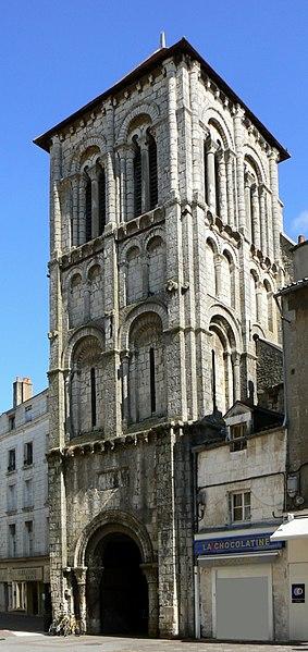 Photo du Monument Historique Eglise Saint-Porchaire situé à Poitiers