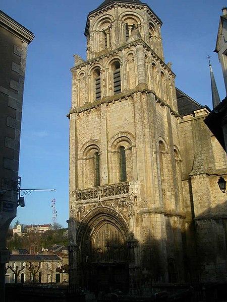 Photo du Monument Historique Eglise Sainte-Radegonde situé à Poitiers