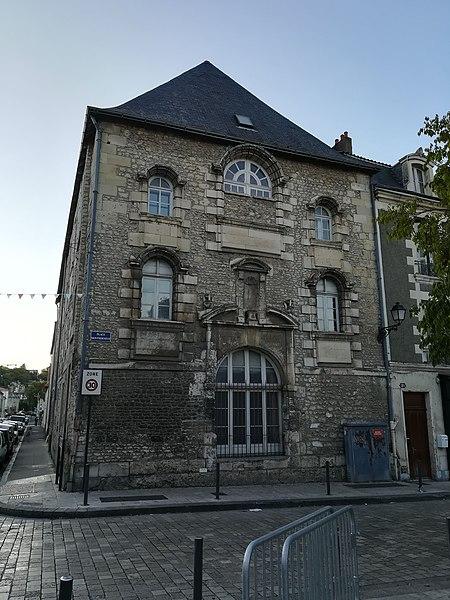Photo du Monument Historique Ancien Hôpital général situé à Poitiers