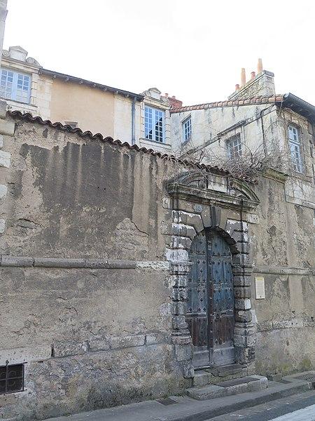 Photo du Monument Historique Hôtel Vantage situé à Poitiers