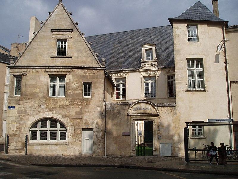 Photo du Monument Historique Maison dite du Plan de l'Etoile ou encore Hôtel Chaboureau situé à Poitiers