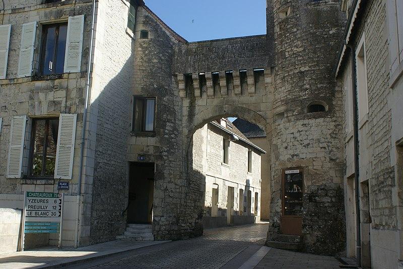 Photo du Monument Historique Porte de ville situé à La Roche-Posay