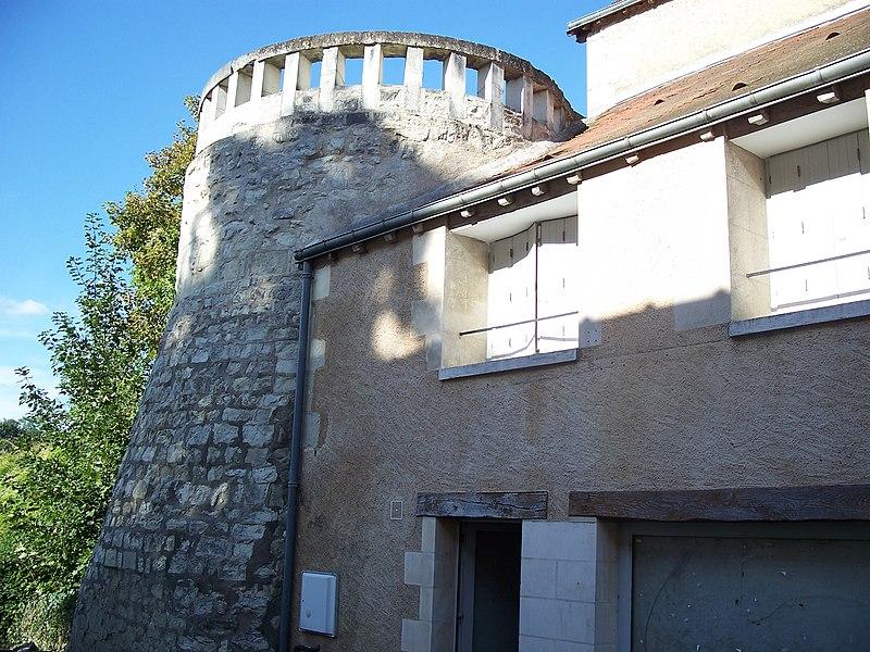 Photo du Monument Historique Remparts (restes des anciens) situé à La Roche-Posay